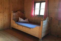Einzelbett in Dreibettzimmer